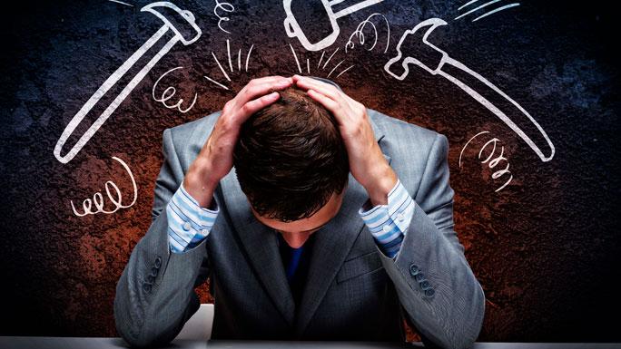 FRACASO-crisis-trabajo-cansado