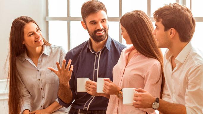 amigos-en-el-trabajo-amistad-cafe- compañeros