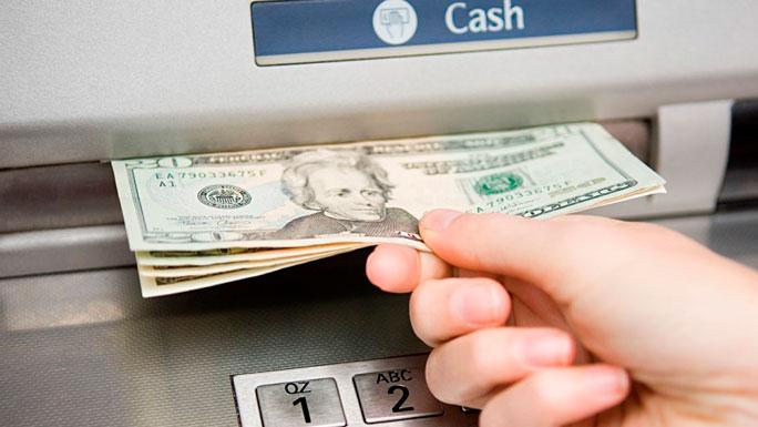 cajero-automatico-sacar-dolares-retirar-dinero