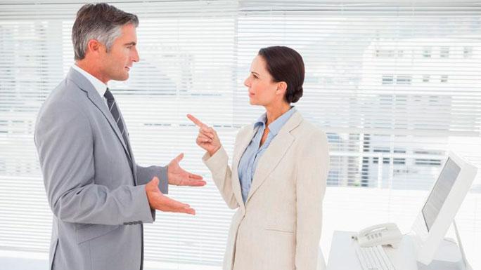 discusion-con-el-jefe-trabajo