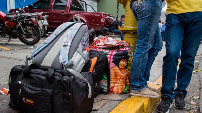 emigracion-venezolanos-terminal-compra-de-pasajes