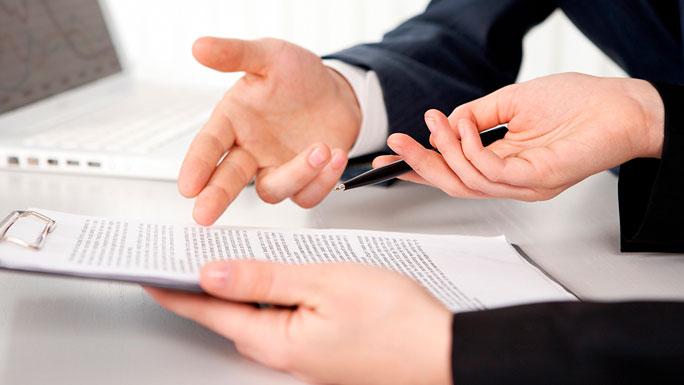 firmar-contrato-leer-