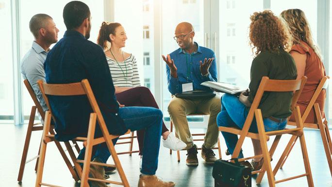 focus-groups-reunion-equipo-hablar
