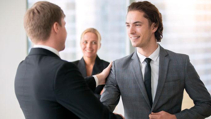 jefe-y-empleado-entrevista-trabajo