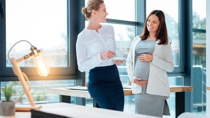 maternidad-en-el-trabajo-mujer-embarazada-embarazo-2