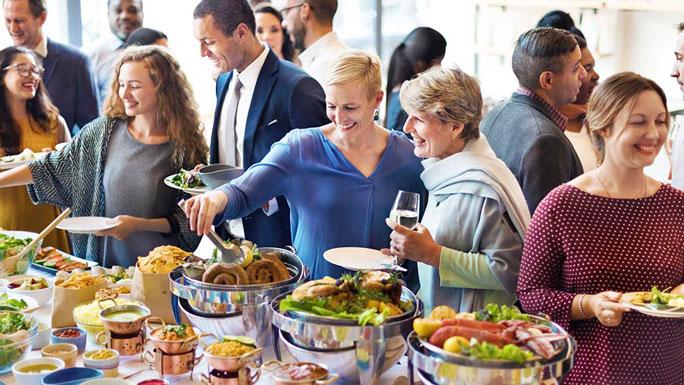 networking-buffet-comer
