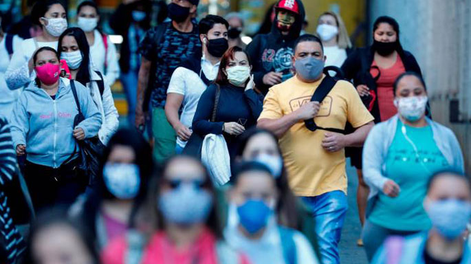 personas-gente-calles-brasil-coronavirus