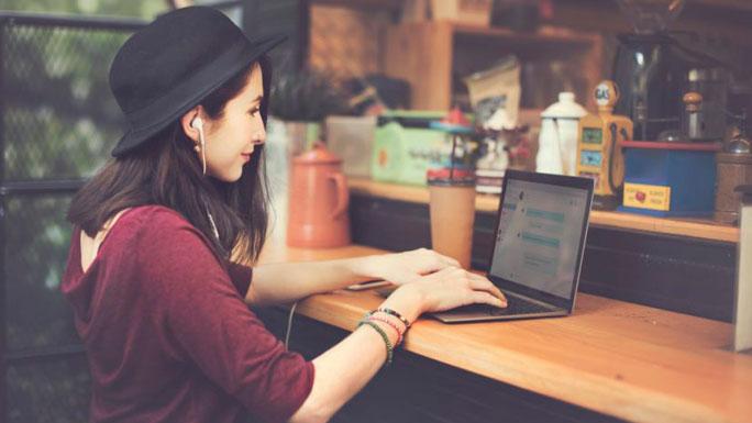 redes-sociales-trabajo-freelance casa