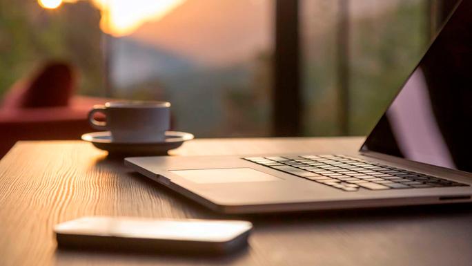 trabajo-freelance-computadora