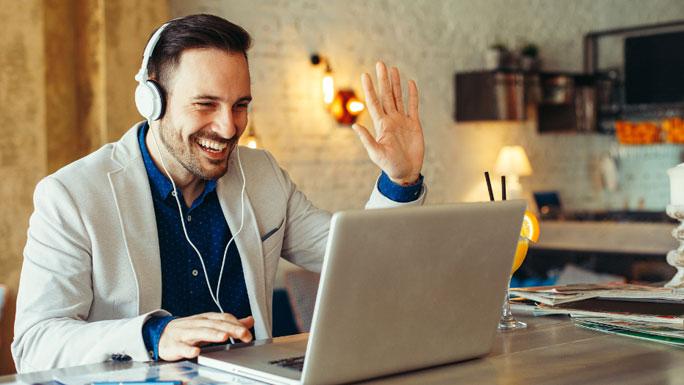 videoconferencias-teletrabajo-feliz